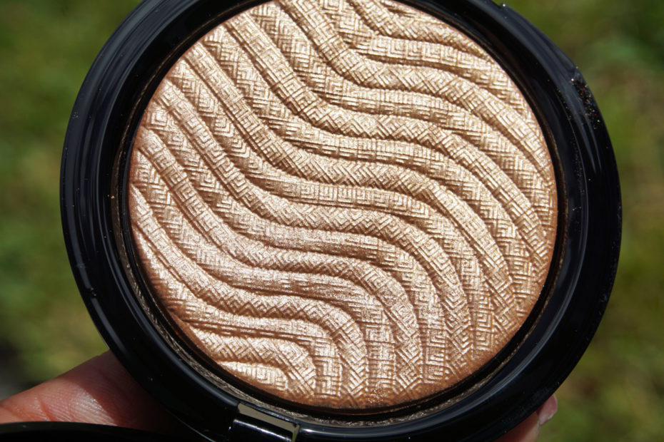 MAKEUPFOREVER PRO FUSION HIGHLIGHTER IN GOLD