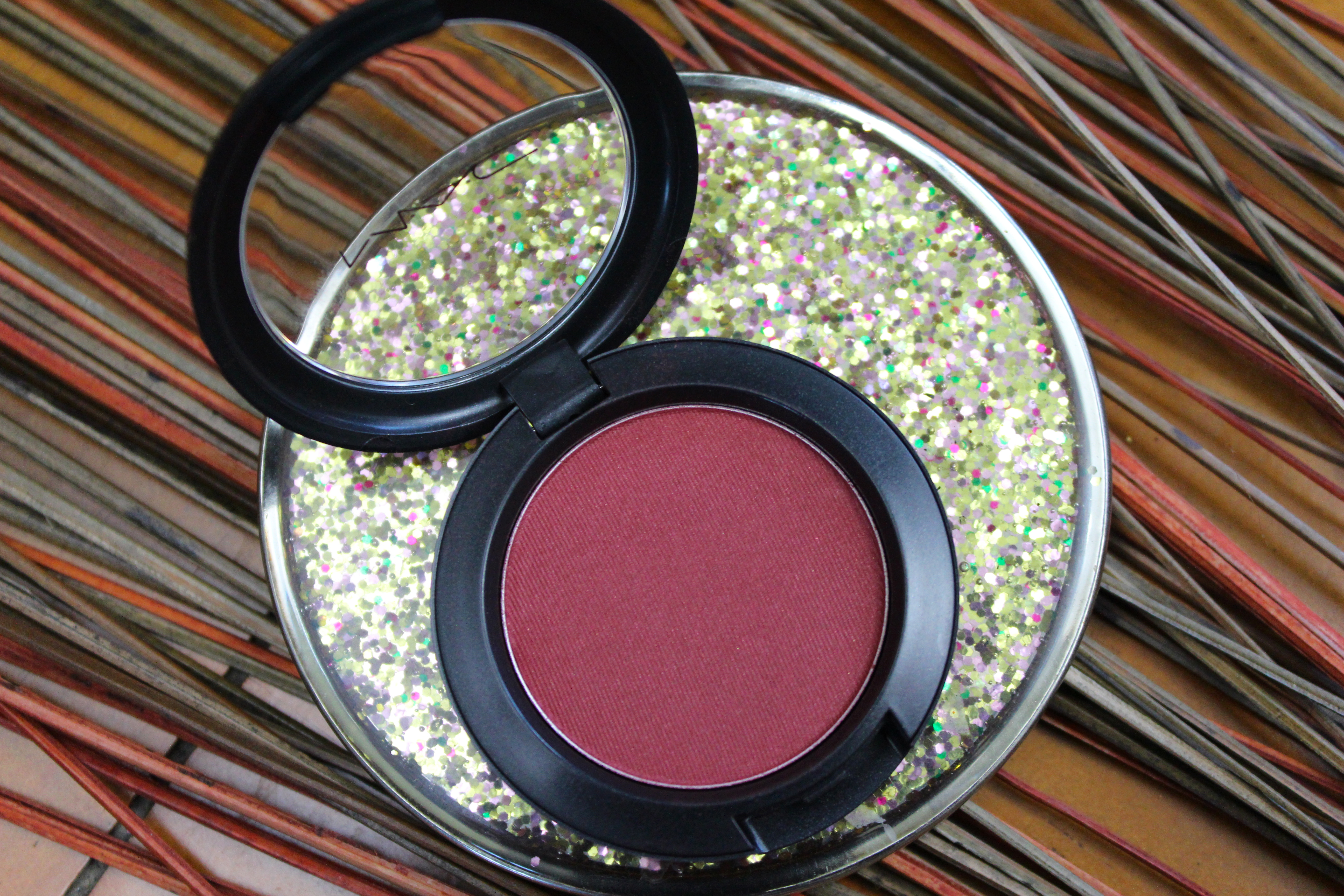 mac a little lusty blush
